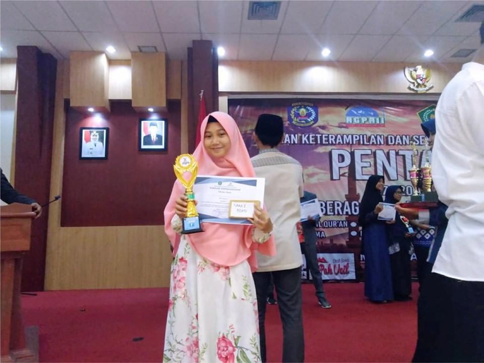 Juara 1 Lomba Pidato di Ajang Pentas PAI, SMA IT YABIS Melaju Tingkat Provinsi