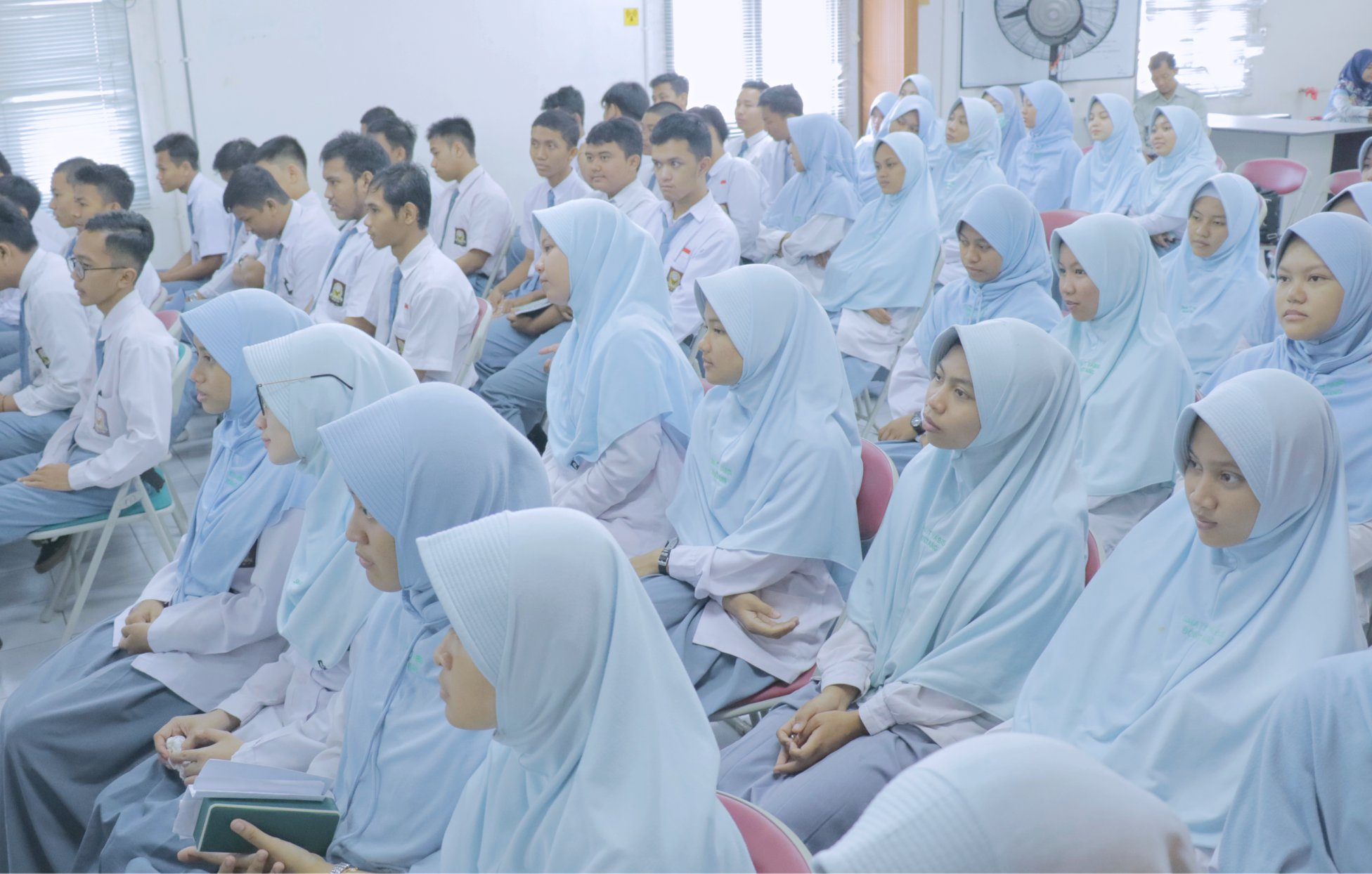 sma-it-yabis-students-plant-visit-2019-pt-kpi(1).jpg